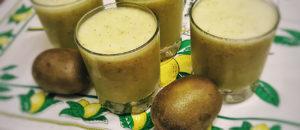 Smoothie w wersji fit z zieloną herbatą, kiwi i bananem