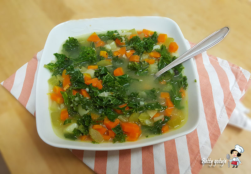 Zupa z jarmużem