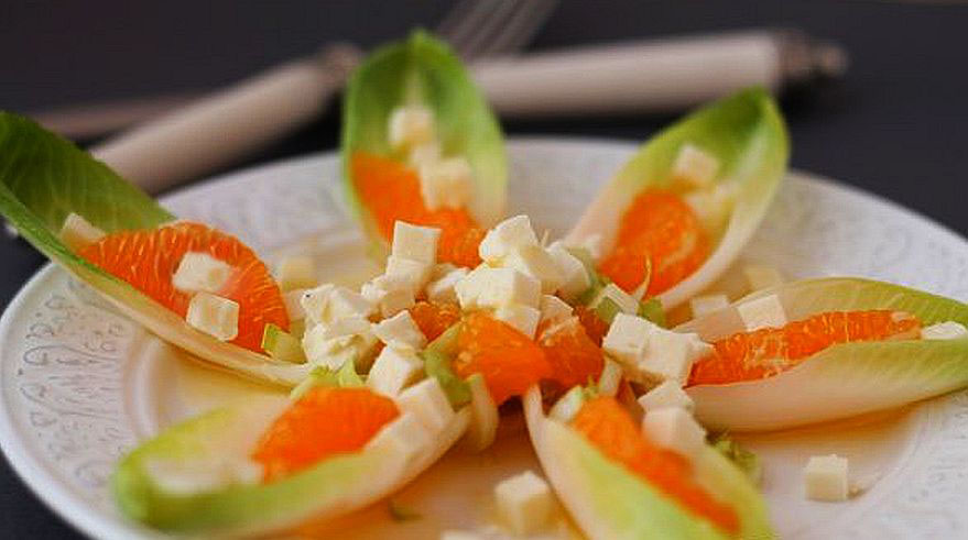 salatka-z-pomaranczy-i-cykorii