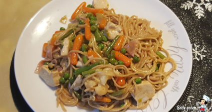 Smażony ryż czyli stir fry noodles